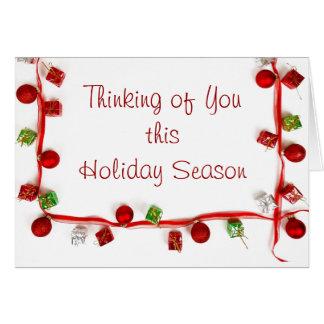 Presentes coloridos festivos da fita da decoração cartão comemorativo