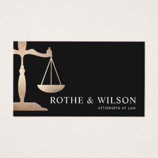 Preto do advogado da escala de justiça do ouro cartão de visitas