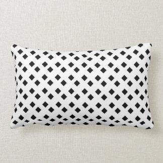 Preto no design branco do diamante travesseiro de decoração
