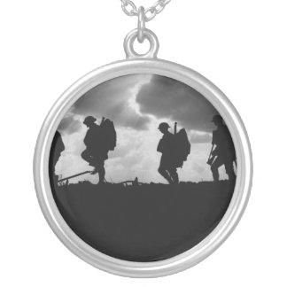 Primeira Guerra Mundial de marcha mostrada em silh