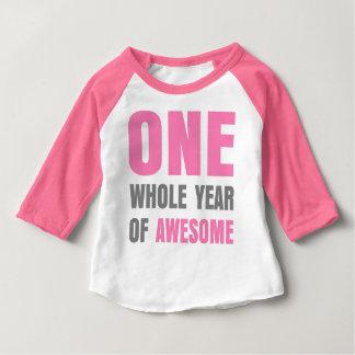 Primeiro aniversario um ano de t-shirt cor-de-rosa