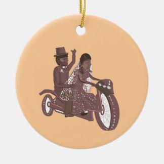 Produtos do casamento do motociclista ornamento de cerâmica redondo