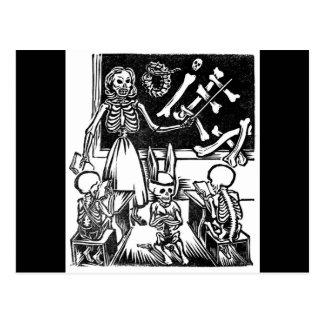 """Professor e estudantes de esqueleto """"dia do cartão postal"""