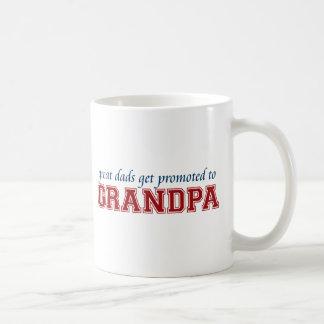 Promovido ao vovô caneca de café
