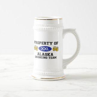 Propriedade da equipe do bebendo de Alaska Caneca De Cerveja