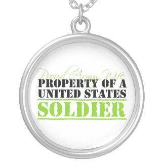 Propriedade de um soldado colar banhado a prata