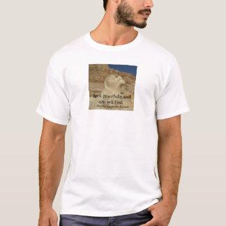 Provérbio egípcio sobre a PAZ T-shirt