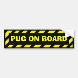 Pug a bordo da etiqueta amarela preta do cuidado adesivo para carro
