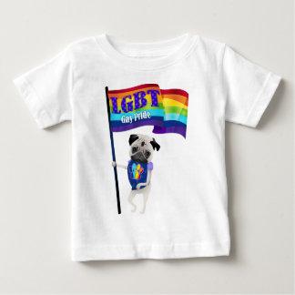 Pug do orgulho gay com Flag.png Camiseta