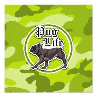 Pug engraçado camo verde-claro camuflagem convites