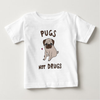 Pugs pequenos doces adoráveis camiseta