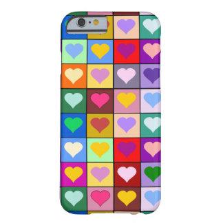 Quadrados coloridos do coração capa barely there para iPhone 6