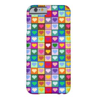Quadrados coloridos do coração capa iPhone 6 barely there