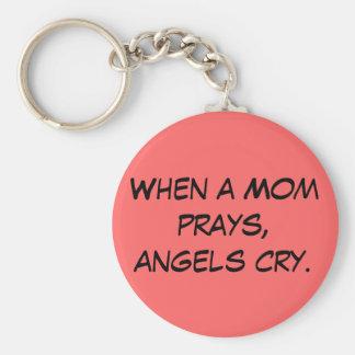 Quando uma mamã Prays a corrente chave do grito do Chaveiro