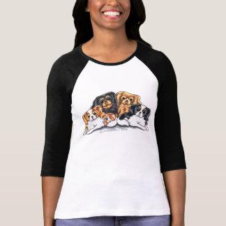 Quatro Spaniels de rei Charles descuidados Camiseta
