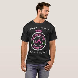 Rainha do t-shirt do campista