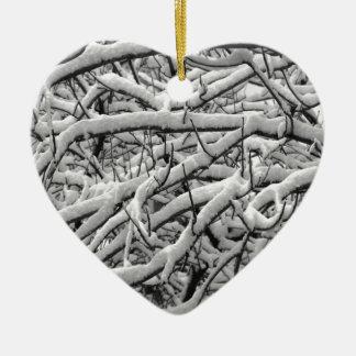 Ramos nevado ornamento de cerâmica coração
