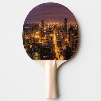 Raquete De Ping Pong Arquitectura da cidade da noite de Chicago