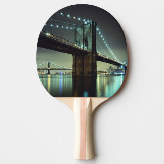 Raquete De Tênis De Mesa Ponte de Brooklyn na ponte de Manhattan da noite