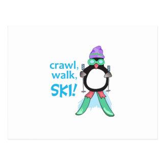 Rastejamento, caminhada, esqui! cartão postal