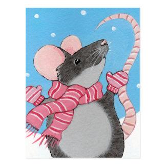 Rato feliz no cartão festivo da neve cartão postal