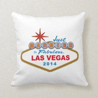 Recem casados em Las Vegas fabuloso 2014 (sinal) Travesseiro
