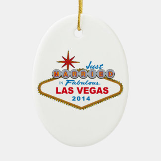 Recem casados em Las Vegas fabuloso 2014 (sinal) Ornamento De Cerâmica Oval