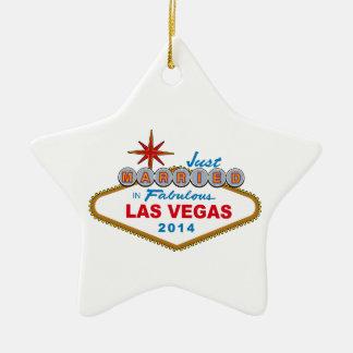 Recem casados em Las Vegas fabuloso 2014 (sinal) Ornamento De Cerâmica Estrela