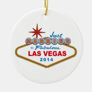 Recem casados em Las Vegas fabuloso 2014 (sinal) Ornamento De Cerâmica Redondo