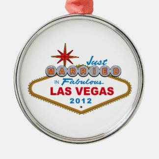 Recem casados no sinal 2012 fabuloso de Las Vegas Ornamento Redondo Cor Prata