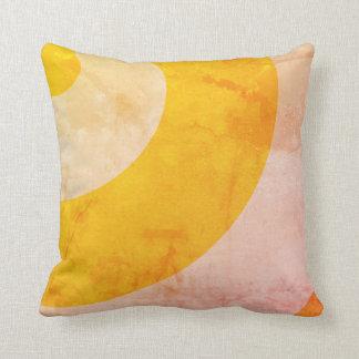 Redemoinhos bonito do amarelo almofada