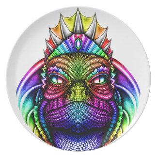 Rei Vestir-se do lagarto do arco-íris uma coroa Pratos