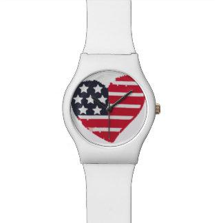 Relógio branco & azul vermelho da forma do coração