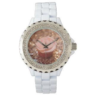 Relógio cor-de-rosa do cupcake