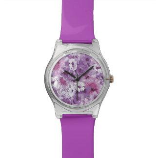 Relógio floral abstrato do roxo