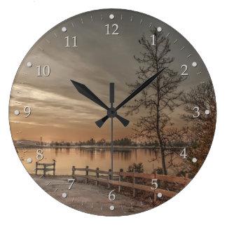 Relógio Grande Árvores pelo lago 2
