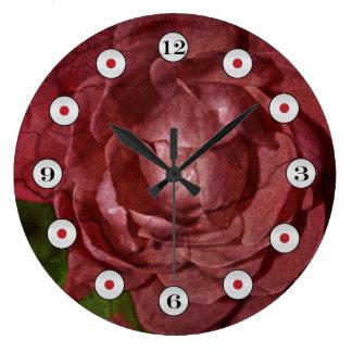 Relógio Grande Rosa vermelha rachada por Shirley Taylor