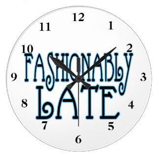 Relógio Grande Valor Fashionably atrasado a espera