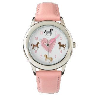 Relógio Pôneis bonito e cavalo cor-de-rosa do coração