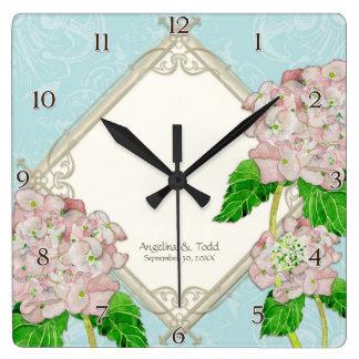 Relógio Quadrado Aniversário de casamento do Hydrangea do rosa do