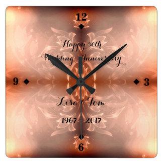 Relógio Quadrado Aniversário de casamento floral dourado de Brown