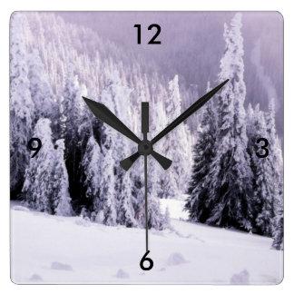 Relógio Quadrado Coberto de neve