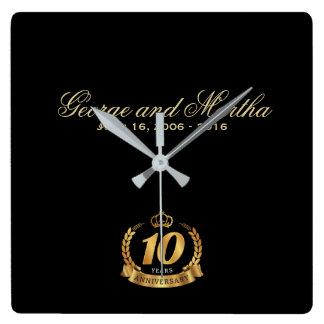 Relógio Quadrado Comemorando o 10o aniversário. Customizable.