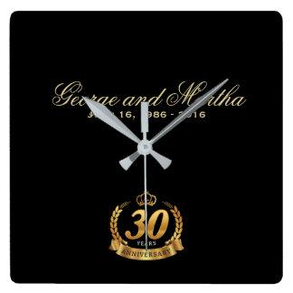 Relógio Quadrado Comemorando o 30o aniversário. Customizable.