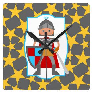 Relógio Quadrado Festa de aniversário brava do menino do cavaleiro