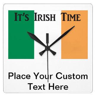 Relógio Quadrado Orgulho irlandês - pulso de disparo de parede
