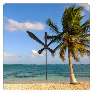 Relógio Quadrado Palmeira e praia