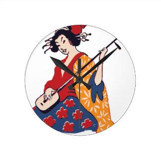 Relógio Redondo Gueixa que joga um Shamisen