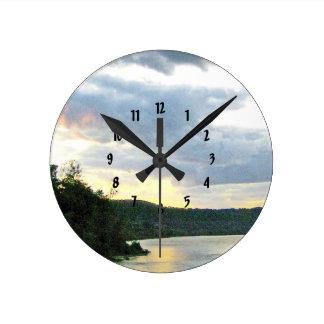 Relógio Redondo O nascer do sol do vale do Rio Ohio