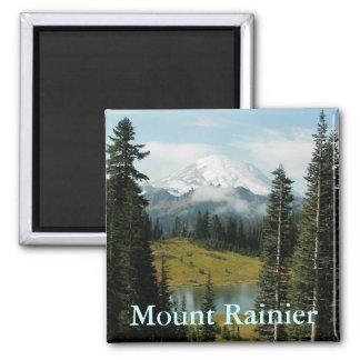 Retrato da montanha do Monte Rainier Ímã Quadrado